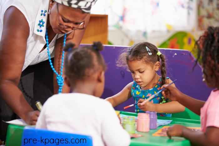 Tips for working with an assistant teacher in preschool and kindergarten