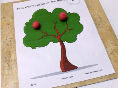 Apple Play Dough Counting Mats