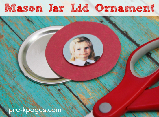 Easy Christmas Ornament for Preschoolers