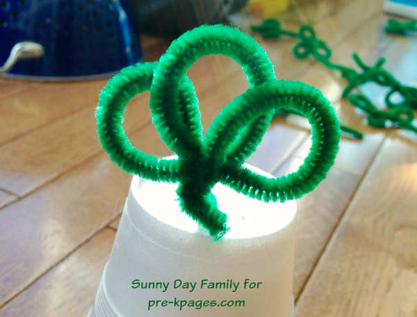 Pipe Cleaner Shamrocks for St Patrick's Day fine motor activity