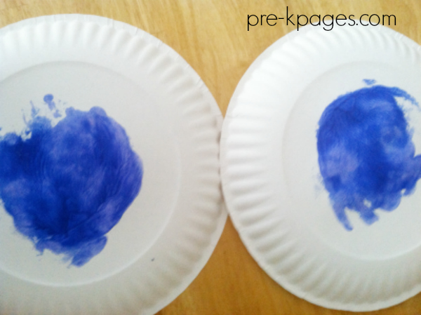 painting with spoon on plate