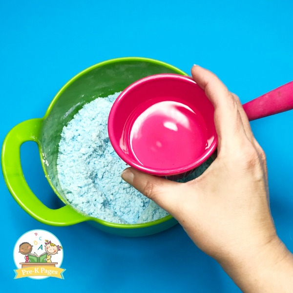 Adding Water to Fizzy Dinosaur Eggs